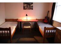 Big Twin Room in Leyton £120Pw/All bills incl/Free WiFi/Housekeeper once a week !!!