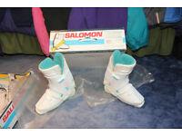Solomon ladies ski boots, size 315