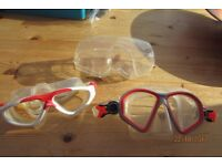 2 prs Diving goggles, 1 case. £2.50. TORQUAY.