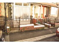 FOR RENT! A lovely 1-bedroom flat on North road, Ferndale. £315 PCM