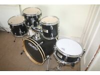 Mapex V Black 5 Piece Drum Kit with 8in +10in + 12in Toms 18in Bass and 12in Snare - DRUMS ONLY