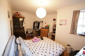 Stunning 3 Bed Garden Flat 5 Minutes Walk To Vauxhall Cross £600pw