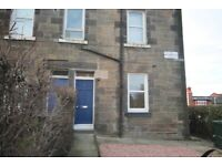 2 bedroom flat in Primrose Terrace , Shandon, Edinburgh, EH11 1PD