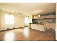 3 bedroom flat in Glebe Crescent, Hendon, NW4