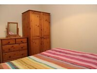 Lovely double room and share flat and garden, good area, flatshare all bills included no agency fees