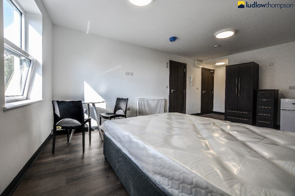 Brand New Pub Conversion Studio Apartments, Set Within Moments of Penge East Station Overground Line