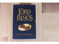 J.R.R. Tolkien - The Lord of The Rings- 7 book Set