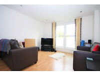 Stylish one double bedroom apartment near Canada Water station