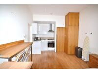 ALL BILLS INCLUDED - Small studio flat well located in Barons Court- 1 minute to the Station