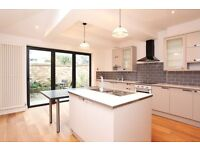 luxury 4 double bedrooms house in beautiful CHISWICK residential area ******