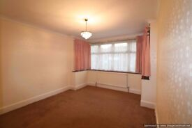 Stunning Detached bungalow to rent in Uxbridge