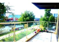 SPECTACULAR 2 DOUBLE BEDROOM FLAT FULLY FURNISHED WITH PRIVATE BALCONY AND PRIVATE PARKING £1350