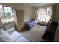 TWIN ROOM TO RENT IN ARCHWAY NEARBY THE UNDERGROUND STATION GREAT LOCATION TO LIVE.