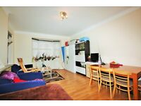 2 bedroom flat in Church Road, Hendon, NW4