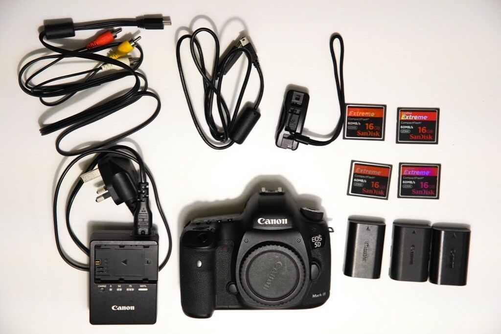 PRICE DROP Canon 5d mk iii full frame professional DSLR excellent ...