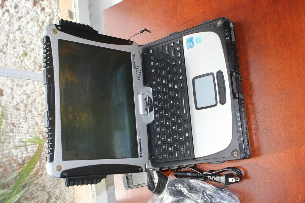 Panasonic Toughbook CF-19 MK4 i5 4GB, TOUCHSCREEN , 128 SSD. WIN 10 PRO 64BIT