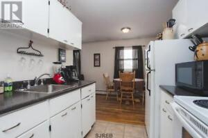 46 Lauder Ct #6 -2 Br by UNB, H&HW, W/D, Parking™
