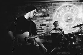 Pro London Guitarist Available for live and studio sessions