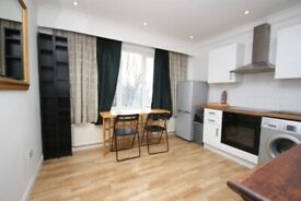 Including bills! a spacious 2nd floor flat in the heart of East Acton