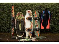 2 Wakeboards, 1 Mono Ski, i Kneeboard, Barefoot shortie, case, bag, lines etc.