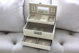 Cream Faux Leather Jewellery Box Storage Travel Holder Trunk