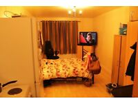 STUDIO FLAT WITH ALL BILLS INCLUSIVE - £775 - AVALABLE TO RENT NOW