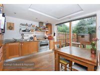 *** Modern three bedroom house to rent, Sloane Mews, Aubrey Road, N8 ***