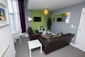 CITY CENTRE 2 BED APARTMENT SHORT TERM/HOLIDAY/CONTRACTOR AVAILABLE FOR JULY