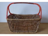 Charming survivor from a bygone era: Genuine, Stylish, Vintage 1940s/1950s, Shopping Basket.