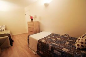 ***COSY TWIN ROOM TO OFFER IN ARSENAL LOVELY AREA*** ONLY HALF MONTH DEPOSIT REQUIRED. 76A/3