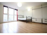 Beautiful modern studio flat to rent near the station in Twickenham. Great for a couple or single