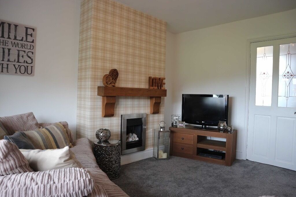 STUNNING!! 2 BED HOUSE - TO LET - AMBROSE ROAD, FARRINGDON
