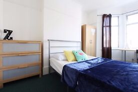 &* 4 Double Rooms SAME Property ~Turnpike Lane~
