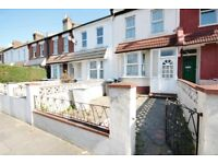 Single room available in Harlesden, shared kitchen, bathroom and garden. ALL BILLS INCLUDED