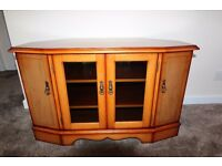 William Bartlett Classic Corner TV Base Unit