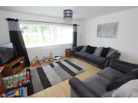 Spacious 3 bedroom flat in Gants Hill part dss accepted with guarantor