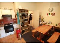 !!! FANTASTIC 1 BED FLAT ON CAMDEN ROAD WITH SPACIOUS LIVING ROOM AND DOUBLE BEDROOM !!!
