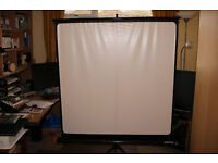 REFLECTA DELUX PORTABLE PROJECTION SCREEN 125 X 125CM