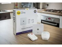 Yale Smart Living alarm system, wireless, instructions and box Easily to set up iPhone and Android.