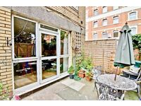 Four double bedroom flat - Modern Kitchen (dishwasher, new appliances) - Hot Water inc.