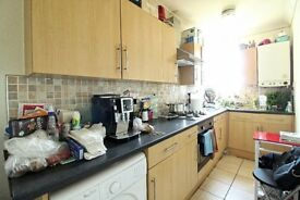 Amazing Second Floor One Bedroom Flat With Fully Fitted Kitchen