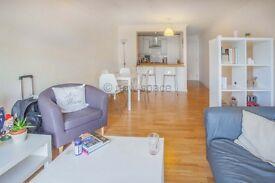 2 bedroom flat in Leabank Square, Berkshire Road, Hackney Wick, E9