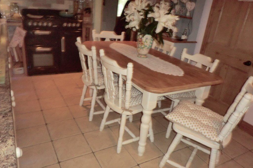 5ft pine table +6 chairs