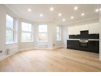 2 bedroom flat in West Green Road, Turnpike Lane, N15