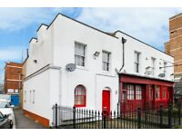 Stylish, Spacious 3 Double Bedroom House with Garden Close to Shadwell, Limehouse & Whitechapel