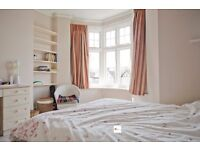 Beautiful room for rent in a clean, comfortable house in Ealing