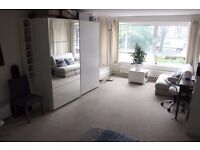 large double room to rent suitable for couples