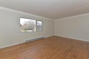 MODERN 2 BDRM PLUS DEN, OFF COMMISSIONERS RD $875 London Ontario image 10