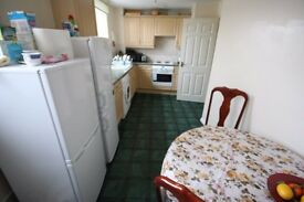 two bedroom two bathroom flat located walking distance to PRESTON road! Available early MARCH