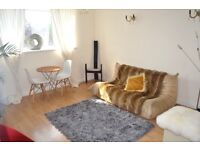 FANTASTIC NEWLY RENOVATED 2 DOUBLE BEDROOM FLAT NEAR BUSES & TUBE ONLY 2 STOPS TO BAKER STREET
